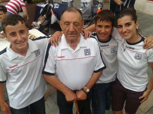 Ajedrez Santurtzi El Carmen 2013 Veterano 0100